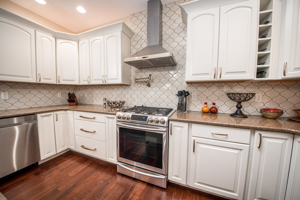 MG-131-Mountain-View-Kitchen-1