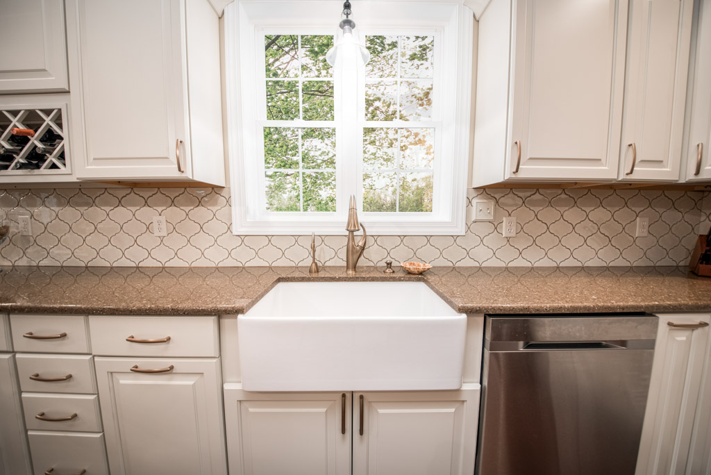 MG-131-Mountain-View-Kitchen-2